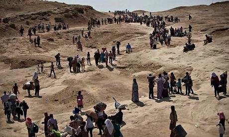 RIBUAN PENGUNGSI IRAK MENYEBERANG KE SURIAH HINDARI ISIL
