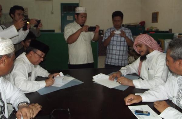 MAHAD AL-FATAH INDONESIA JALIN MOU DENGAN YAYASAN PENDIDIKAN YAMAN