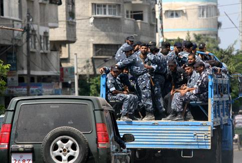 3.000 POLISI PALESTINA DARI TEPI BARAT AKAN DIKERAHKAN DI GAZA