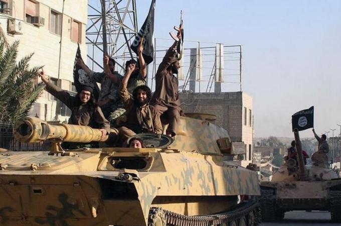 AS MULAI BOM BASIS ISIS DI SURIAH