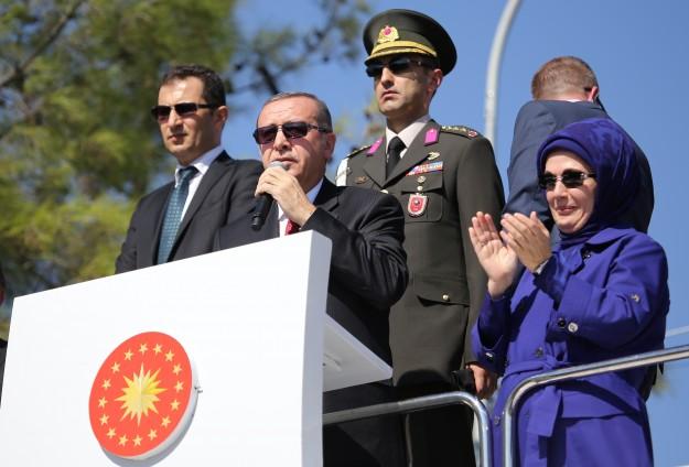 ERDOGAN: TURKI SIAGA DI PERBATASAN