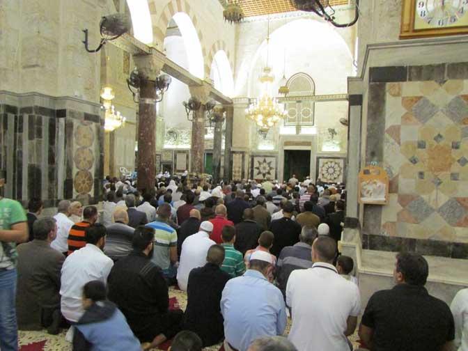 RIBUAN MUSLIMIN PALESTINA LAKUKAN SHALAT IDUL ADHA DI MASJID AL-AQSHA