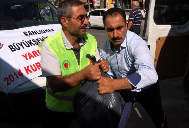 LEMBAGA AMAL TURKI DISTRIBUSIKAN HEWAN KURBAN KE GAZA