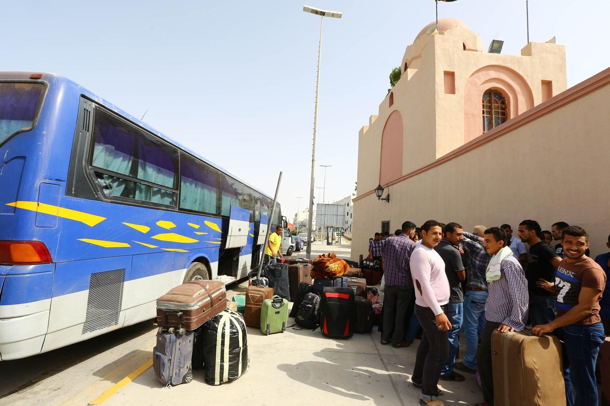 RATUSAN PEKERJA MESIR DITOLAK MASUK LIBYA