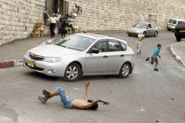 BUS ISRAEL LINDAS ROMBONGAN WARGA PALESTINA