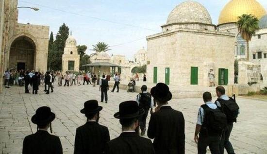 ISRAEL LARANG DAN DENDA WARGA PALESTINA YANG MASUKI AL-AQSHA