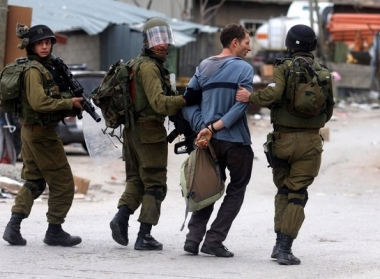 Pasukan Israel Tangkap 23 Warga Palestina di Al-Quds