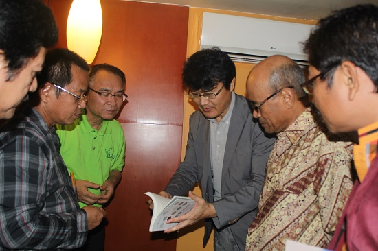 LEMBAGA HALAL KOREA BICARAKAN KERJASAMA DENGAN LEMBAGA HALAL INDONESIA
