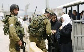 GADIS PALESTINA 14 TAHUN MELAWAN POLISI ISRAEL YANG AKAN MENANGKAPNYA
