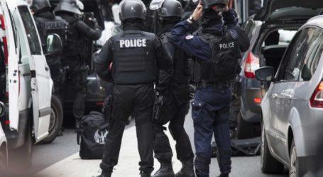 POLISI PERANCIS PERSEMPIT PERBURUAN PENYERANG CHARLIE HEBDO