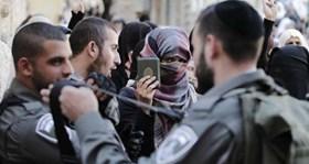 POLISI ISRAEL TARGETKAN WANITA PALESTINA DALAM AKSI PENANGKAPAN