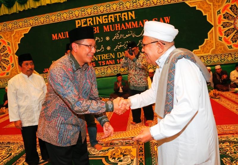 """MENTERI AGAMA : PESANTREN ADALAH """"JANTUNG"""" UMAT ISLAM"""