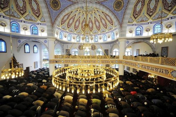 HAMBURG RESMI AKUI HARI RAYA UMAT ISLAM