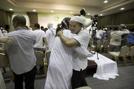 LEBIH DARI 500 ORANG MASUK ISLAM DI DUBAI PADA 2015