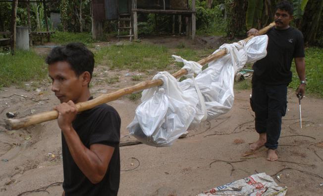 KUBURAN MASSAL ROHINGYA DITEMUKAN DI THAILAND SELATAN