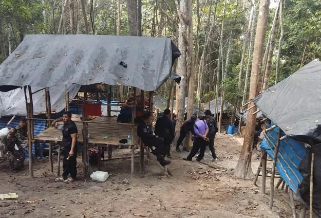 JENDERAL THAILAND JADI TERSANGKA PERDAGANGAN MANUSIA