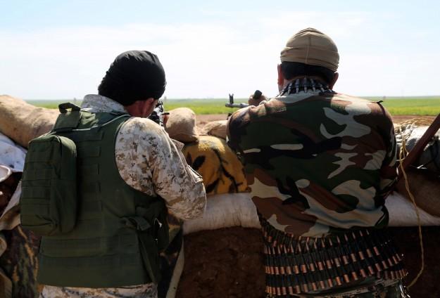 AS BAYAR TUNJANGAN UNTUK PEJUANG SURIAH LAWAN ISIS