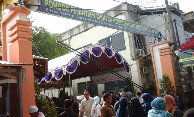 PESANTREN, JANTUNG PENDIDIKAN UMAT ISLAM INDONESIA