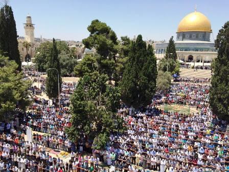 Jum'at kedua Ramadhan, 200 Ribu Warga Palestina Shalat di Masjid Al-Aqsha