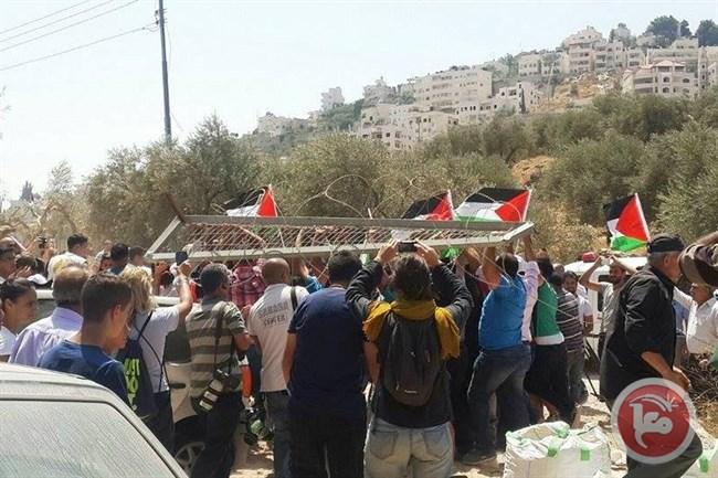 RATUSAN MUSLIM DAN KRISTEN PROTES TEMBOK PEMISAH ISRAEL