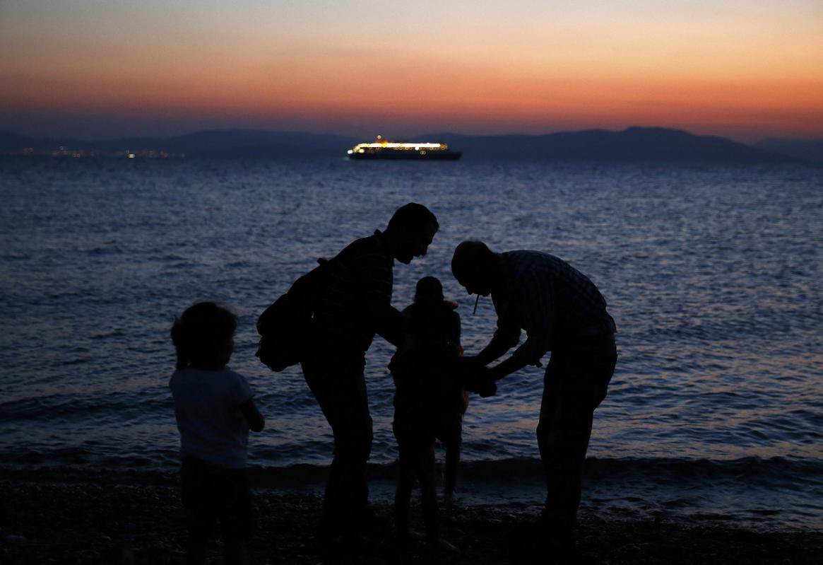 UNHCR MINTA NEGARA UNI EROPA BANTU YUNANI TANGANI MIGRAN