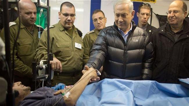 HELIKOPTER ISRAEL ANGKUT PEJUANG OPOSISI SURIAH KE RUMAH SAKIT