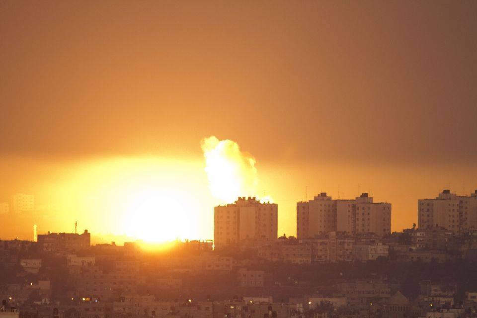 ISRAEL SERANG EMPAT LOKASI BERBEDA DI JALUR GAZA