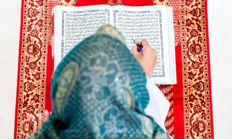 PUSAT KAJIAN ISLAM: PASCA PENGHINAAN RASULULLAH, MUSLIM DENMARK LEBIH TAAT