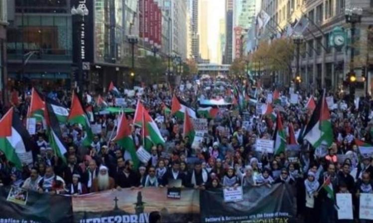 SEBANYAK 15.000 DEMONSTRAN CHICAGO KECAM AGRESI ISRAEL