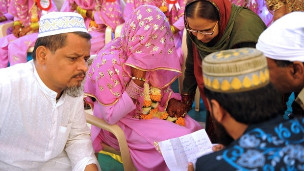 Harmoni Komunitas Hindu Jaga Pernikahan Muslim Mina News