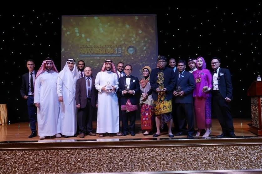 INDONESIA RAIH  TIGA AWARDS DI AJANG THE WORLD HALAL TRAVEL SUMMIT 2015