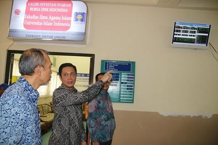 UII RESMIKAN GALERI INVESTASI SYARIAH BURSA EFEK INDONESIA PERTAMA