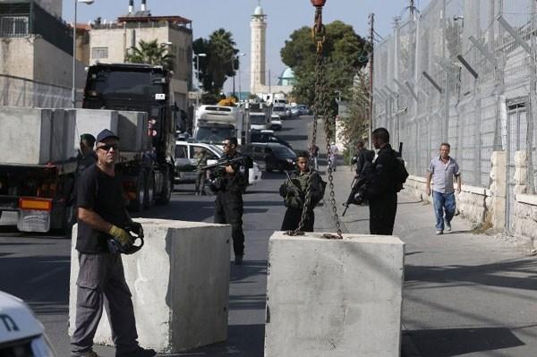 Israel Tutup Jalan Utama menuju 20 Desa di Ramallah