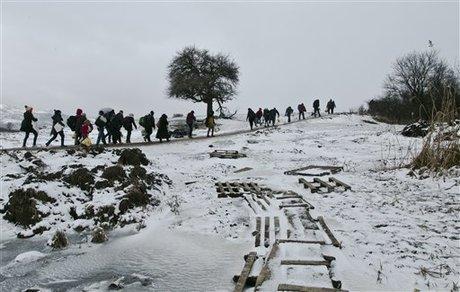 Badan Amal Peringatkan Risiko Cuaca Bagi Pengungsi di Balkan