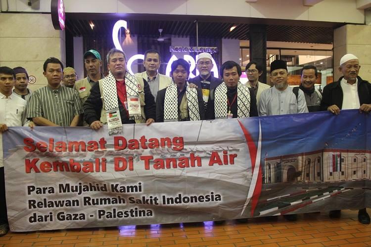 Tiga Relawan RS Indonesia-Gaza Tiba di Tanah Air