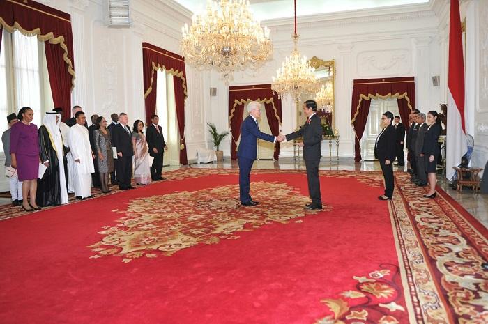 Presiden Jokowi Terima 13 Duta Besar Baru Untuk Indonesia