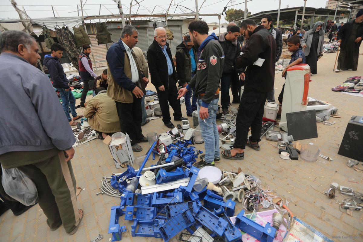 Pasar Barang Bekas Menjamur di Gaza