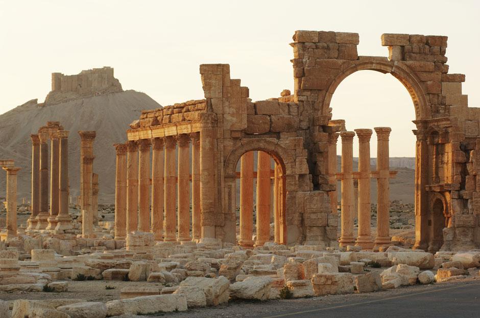 Tentara Suriah Temukan Kuburan Massal di Palmyra