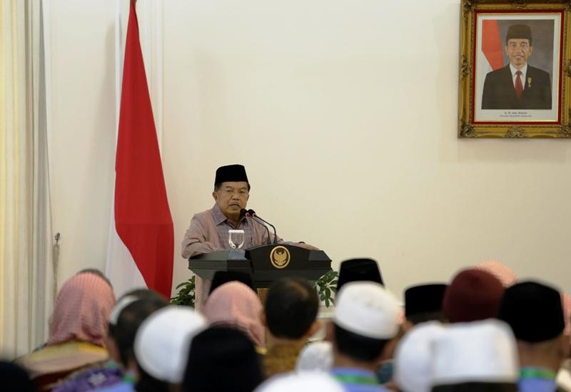 Wapres: 99 % Masjid di Indonesia Dibangun Masyarakat