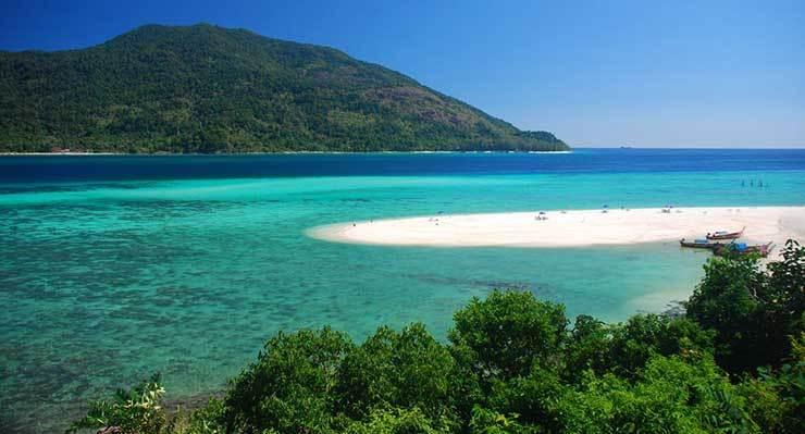 Indonesia Tetapkan 10 Daerah Untuk Destinasi Wisatawan Muslim