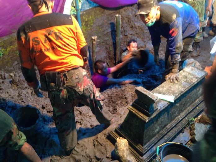 Tim Dokter Forensik Muhammadiyah Otopsi Jenazah Siyono