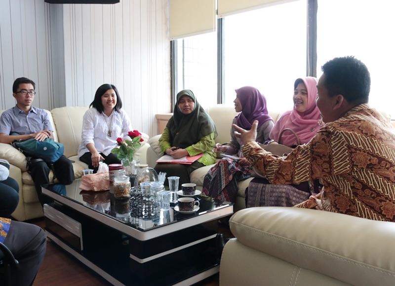 Kartu Jakarta Pintar Beri Beasiswa Alumni Madrasah Aliyah