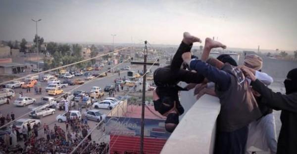 Dituduh Gay, Pemuda Suriah Dijatuhkan dari Atap Gedung oleh ISIS