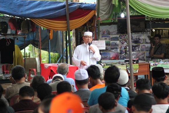 Imaam Yakhsyallah Resmi Tutup Bazar Sya'ban 1437 H