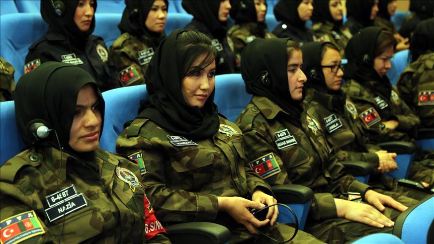 89 Polisi Wanita Afghan Latihan di Turki