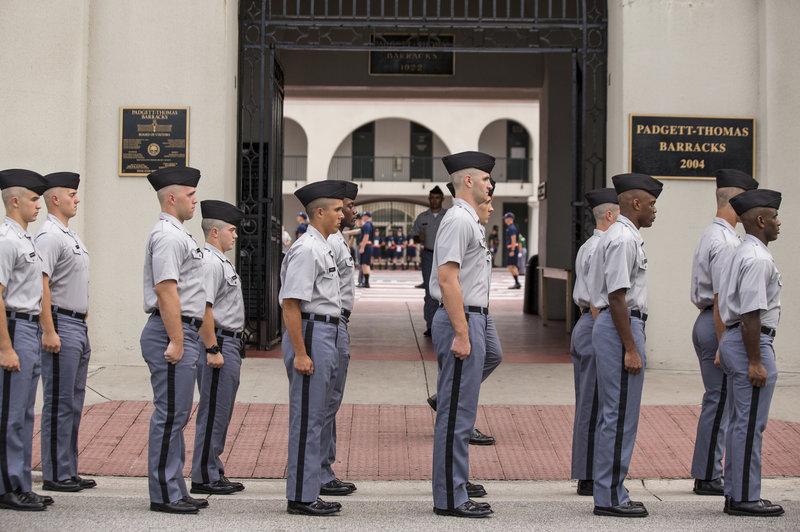 Sekolah Militer AS Tidak Izinkan Kadet Wanita Berjilbab