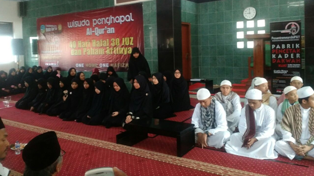 PesantreneurshiPAY Gelar Wisuda Penghafal Al-Qur'an