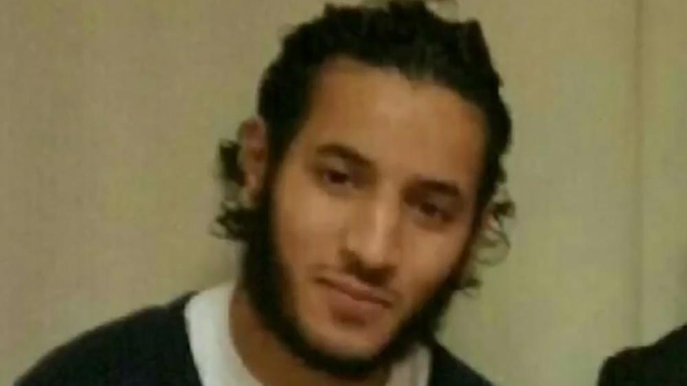 Video Rekam Anggota ISIS Bunuh Dua Polisi Perancis