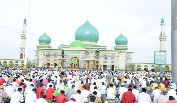 Khutbah Idul Fitri 1437:  Kejayaan Muslimin dengan Khilafah 'Alaa Minhaajin Nubuwwah
