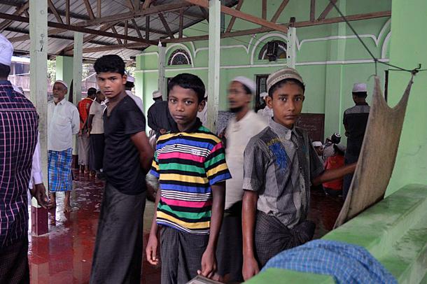Ektrimis Budha Kirim Surat Terbuka Desak Presiden Hapus Rohingya Dari Myanmar